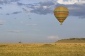 Suzi Eszterhas - Hot air balloon flying over impala herd, Masai Mara Triangle, Kenya