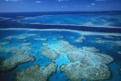 Jean-Paul Ferrero - Deep channel separating Hardy Reef from Hook Reef, Great Barrier Reef Marine Park, World Heritage Site, Queensland, Australia