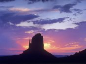 Tim Fitzharris - East and West Mittens, buttes at sunrise, Monument Valley, Arizona