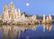 Tim Fitzharris - Full moon over Mono Lake, California