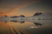 Colin Monteath - Peaks at sunset, Wiencke Island, Antarctic Peninsula, Antarctica
