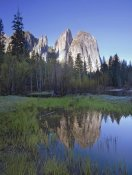 Tim Fitzharris - Cathedral Rock reflected in the Merced River, Yosemite NP, California