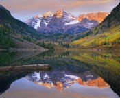 Tim Fitzharris - Maroon Bells peaks reflected in Maroon Lake, Snowmass Wilderness, Colorado