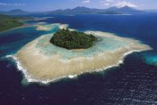 Ingrid Visser - Coral reefs and islands, Kimbe Bay, Papua New Guinea