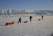 Colin Monteath - Skiers crossing from Ny Alesund to Longyearbyen, Svalbard, Norway