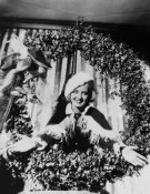Hollywood Photo Archive - Bette Davis Christmas Wreath