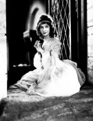 Hollywood Photo Archive - Lillian Gish