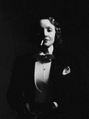 Hollywood Photo Archive - Marlene Dietrich in Top Hat