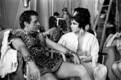 Hollywood Photo Archive - Behind the Scenes - Elizabeth Taylor - Cleopatra
