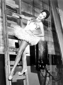 Hollywood Photo Archive - Elizabeth Taylor - Backstage in a tutu