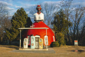John Margolies - Mammy's Cupboard, Route 61, Natchez, Mississippi