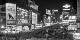 Unknown - Crowds in Times Square on New Year's Eve, 1936