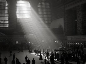 Philip Gendreau - Sunbeams Shining into Grand Central Station, NYC