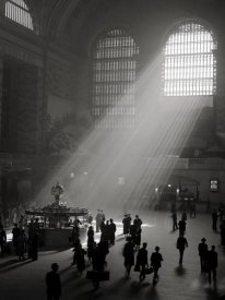 Philip Gendreau - Sunbeams Streaming into Grand Central Station, NYC
