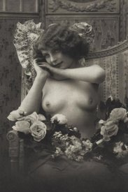 Vintage Nudes - A Look of Enchantment