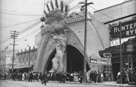Eugene Wemlinger - Entrance to Dreamland, Coney Island, 1908