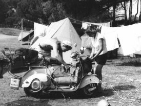 Charles Delius - Jeune Couple en Camping, 1960
