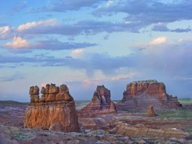 Tim Fitzharris - Eroded buttes in desert, Bryce Canyon National Park, Utah