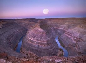 Tim Fitzharris - Moon over San Juan River flowing through Goosenecks, Utah
