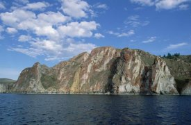 Konrad Wothe - Red rocks cliffs along shoreline, Lake Baikal, Russia