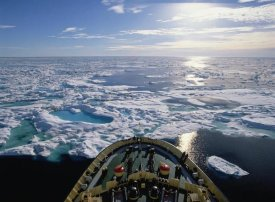 Konrad Wothe - Icebreaker in the Arctic, Canada