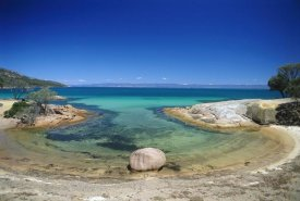 Grant Dixon - Granite boulder in Honeymoon Bay, Freycinet NP, Tasmania, Australia
