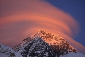 Grant Dixon - Wind cloud over Mount Everest seen from Sagarmatha National Park, Nepal