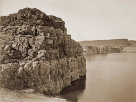 Carleton Watkins - The Dalles, Extremes of High & Low Water, 92 ft./Head of the Dalles, Columbia River, Oregon, about 1883