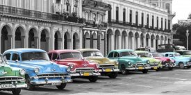 Pangea Images - Cars parked in line, Havana, Cuba