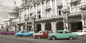 Anonymous - Vintage American cars in Havana, Cuba