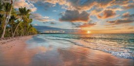 Pangea Images - Beach in Maui, Hawaii, at sunset