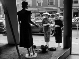 Anonymous - Women looking at window display