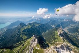 Tristan Shu - Flying above La Tournette with Francis Boehm