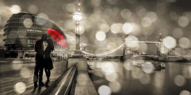 Dianne Loumer - Kissing in London (BW)