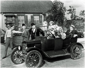 Hollywood Photo Archive - Laurel & Hardy - Perfect Day, 1929