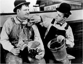 Hollywood Photo Archive - Laurel & Hardy - Towed in a Hole, 1936