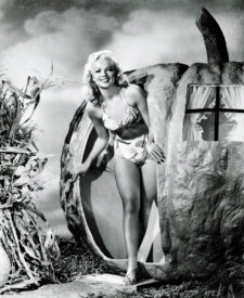 Hollywood Photo Archive - Halloween - Myrna Dell