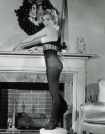 Hollywood Photo Archive - Marilyn Monroe - Christmas Stockings