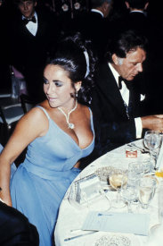 Hollywood Photo Archive - Elizabeth Taylor and Richard Burton at the Oscars