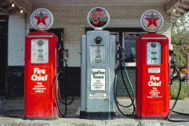 John Margolies - Texaco gas pumps, Milford, Illinois