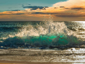 Pangea Images - Wave crashing on the beach, Kauai Island, Hawaii